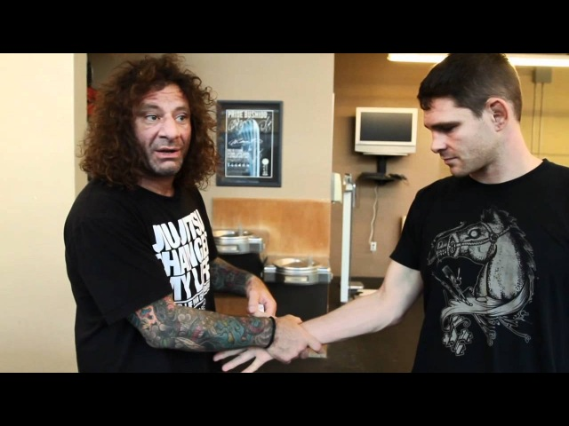 Kurt Osiander's Move of the Week - Hand Wrapping
