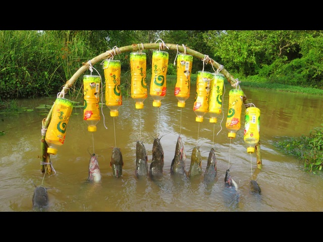 Believe This Fishing? New Fishing Technique Trap Using 10 Bottles 10 Hooks To Catch Alot Of Fish