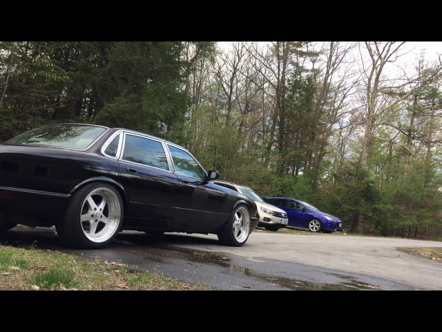 Little bit of fun in the XJR, Revs and Burnout