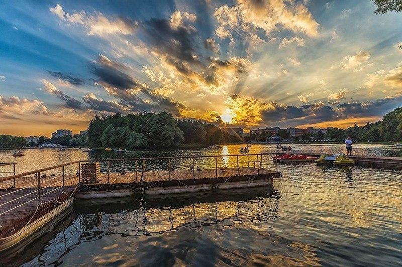Первая половина сентября 2017 в ярких мгновениях фотоснимков