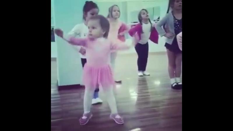 Когда душа требует энергичных танцев!))