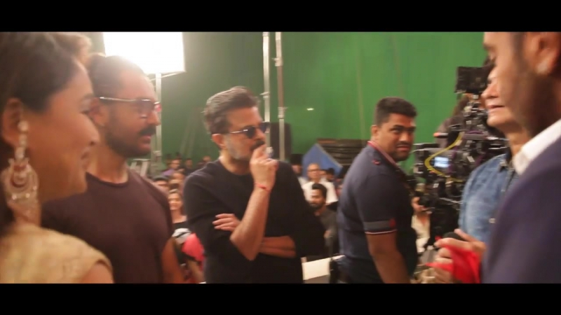 Aamir Khan Gives The Mahurat Clap For Total Dhamaal _ Ajay Devgn _ Anil Kapoor _