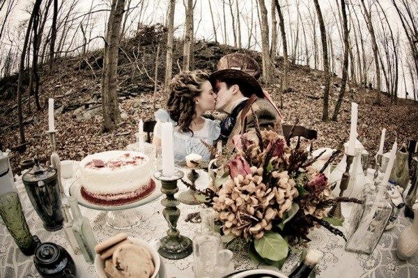 Свадьба в стиле Алиса в стране чудес – тематическая свадьба в фотообзоре сайта свадебного ведущего Волгограда, тамады на юбилей и корпоратив, Павла Июльского. Заказать проведение свадьбы, написание сценария можно по тел:  +7 (937) 555-20-20   +7 (937) 727-25-75  +7 (937) 540-60-80