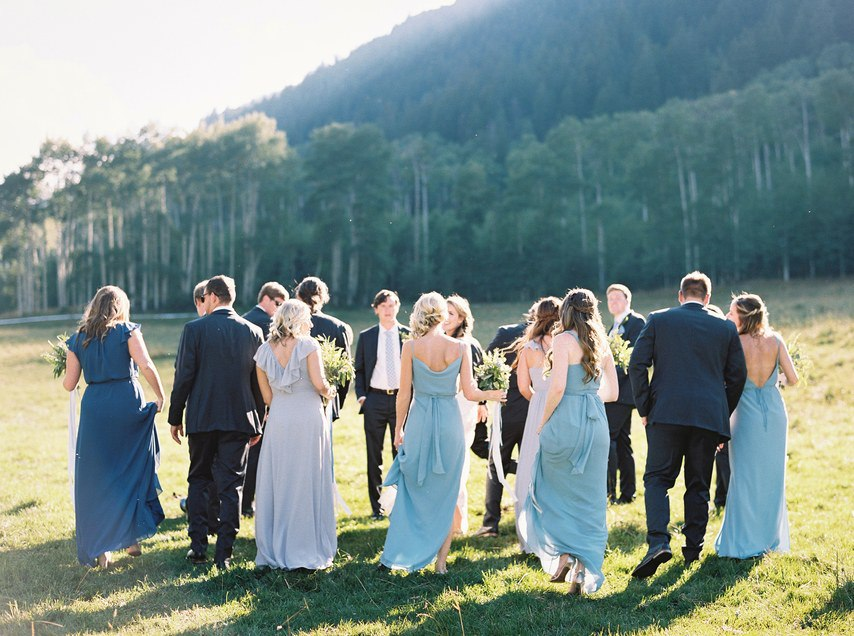 Пара лыжных ботинок и два бокала шампанского - история знакомства супружеской пары в формате сайта свадебного ведущего Волгограда, Павла Июльского. Заказать проведение свадьбы, написание сценария можно по тел: +7 (937) 727-25-75(Megafon) +7 (937) 555-20-20(Beeline) +7 (937) 540-60-80(MTS)
