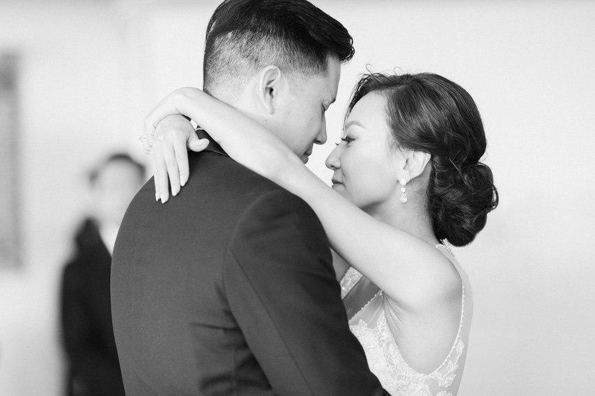 Посмотреть в глаза своему счастью - история знакомства супружеской пары в формате сайта свадебного ведущего Волгограда, тамады на юбилей и корпоратив, Павла Июльского. Заказать проведение свадьбы, написание сценария можно по тел: +7 (937) 727-25-75(Megafon) +7 (937) 555-20-20(Beeline) +7 (937) 540-60-80(MTS)
