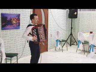 Тамада Арча Шамкае,җырчы-баянчы Алмаз Рахимов