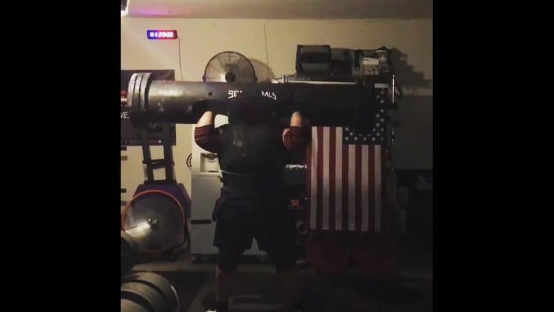 Люк Херринг (США), бревно - 204 кг 💪