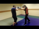 Начальное изучение ударов руками и защита в стойке