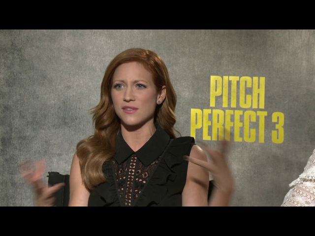 Pitch Perfect 3 (Universal Pictures) Anna Camp Brittany Snow 1