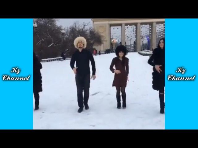 МАДИНА В МОДЕ ПРИ ЛЮБОЙ ПОГОДЕ | Самые Лучшие ПРИКОЛЫ И DUBSMASH танцы КАЗАХСТАН РОССИЯ 128