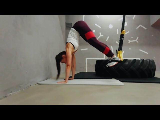 Упражнение Пика для мышц пресса в петлях TRX • VIMO.FITNESS