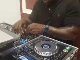 DJ Shaq Shaquille O'neil DJing wtf
