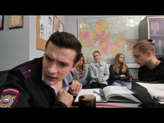 Соколова мучают в полицейском участке