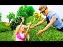 Видео для девочек. Барби гуляет с собакой и знакомится с Кевином💓 Игры в кукл ...