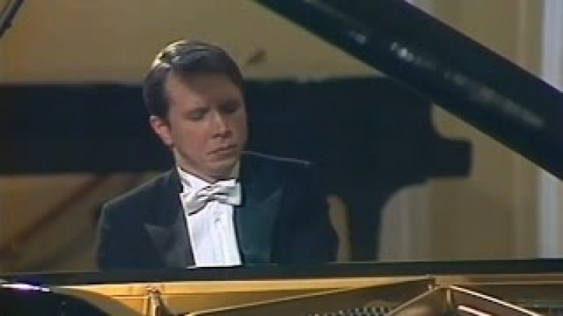 Mikhail Pletnev plays Rachmaninoff - Prelude op. 23 No. 5 in G minor (live in Moscow, 1987)