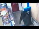 В Нижнекамске полиция разыскивает мужчину напавшего с ножом на продавца магазина