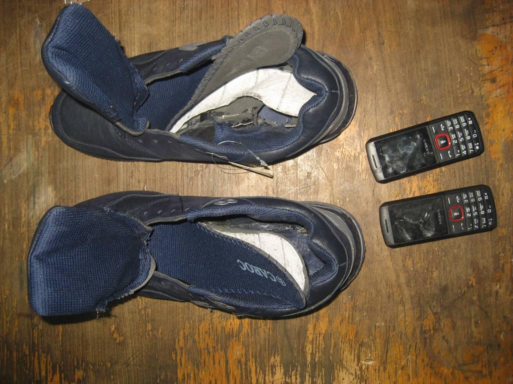 В СИЗО Таганрога заключенному предали мобильные телефоны, спрятанные в кроссовки