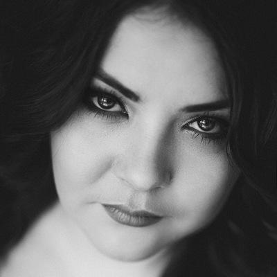 Яна Каримова