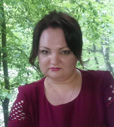 Анна Максимова