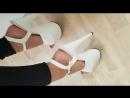 Красивые ножки с аккуратным педикюром в туфлях на высоких каблуках | High Heels