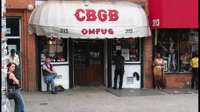 Клуб CBGB US 2013 Панк грязь выпивка тусовки 70 е и как зарождаются легенды все это вы найдете в CBGB