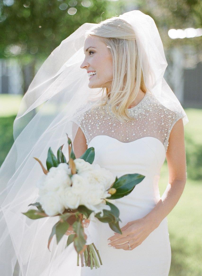 Pj9ayCDOMs8 - Как выглядеть стройнее в свадебном платье: хитрости невесты