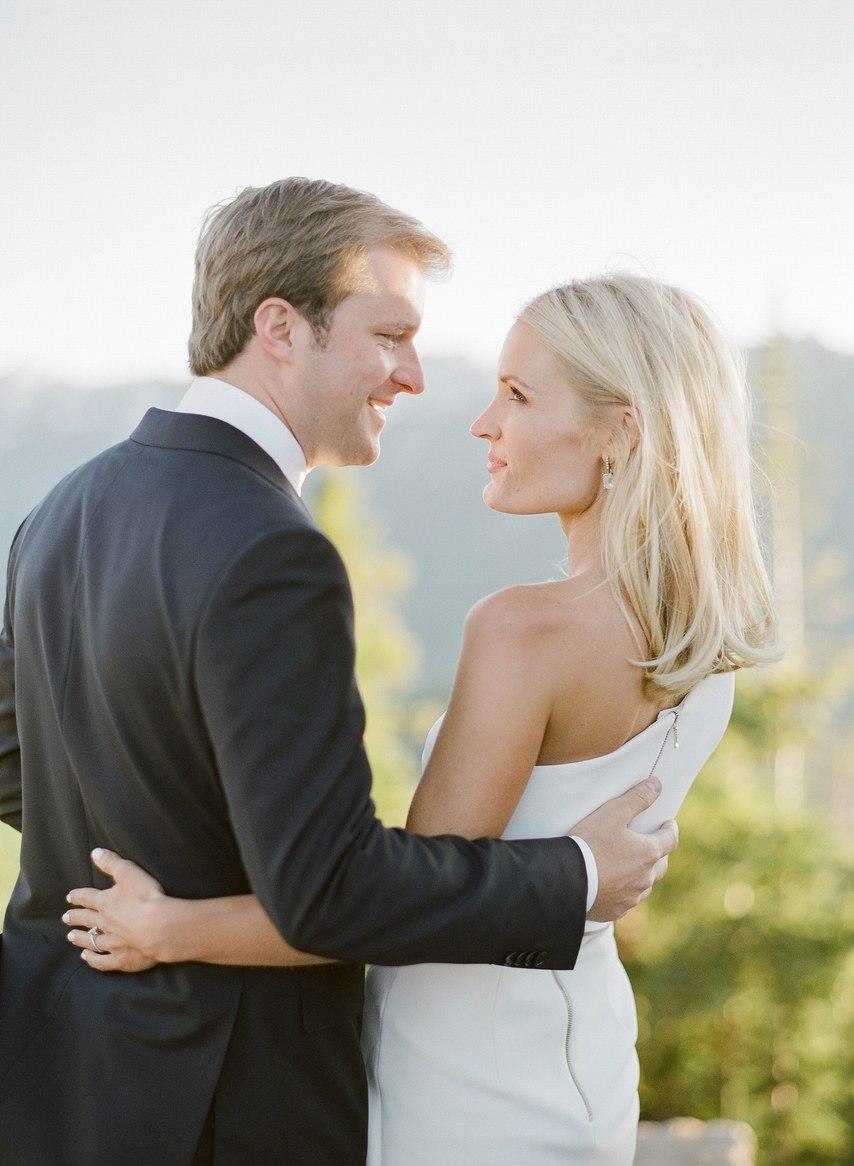 ClbJFxDoPlk - Как выглядеть стройнее в свадебном платье: хитрости невесты