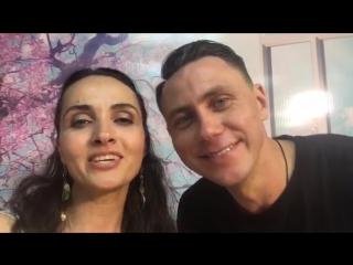 Анна Чаиндай и Стас Новиков, ведущие программы