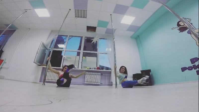 Alena Pona Exotic Pole Dance Training