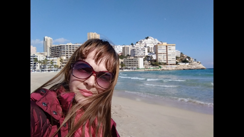 Испания 2018. Бенидорм. Пляж Ла Кала. Зимнее море.