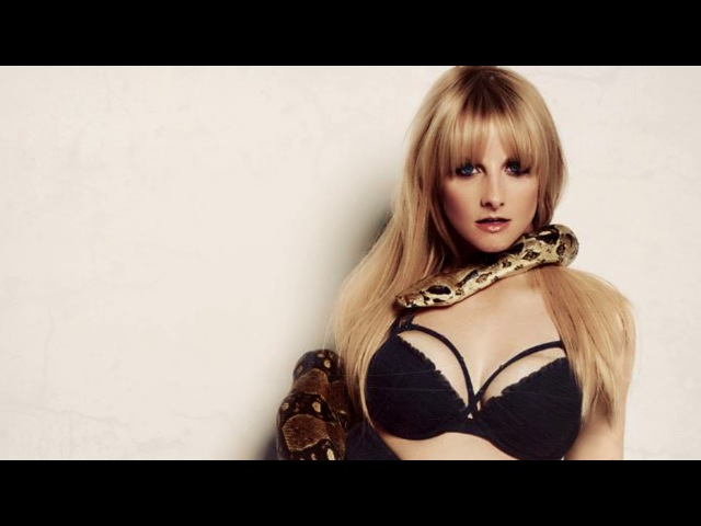 Melissa Rauch EXCLUSIVE — HOT photo shoot Bernardette on the Big Bang Theory