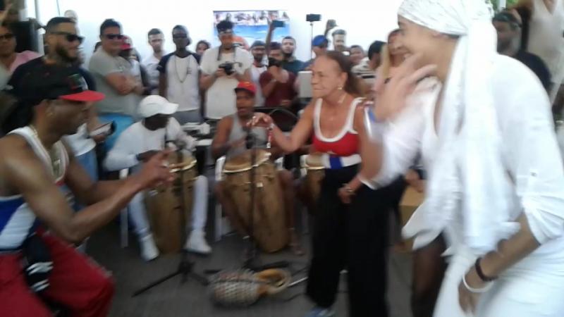 Rumba abierta - pool party. Sergio Larrinaga/Daisy/Aliuska/Yuliet Estrada (Cuba in Tunisia 2017)