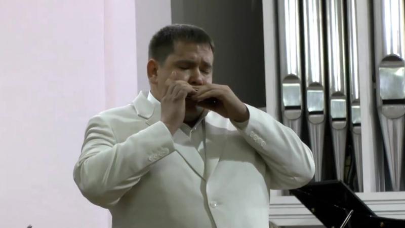 А. Пьяццолла. Танго. Исп. Пётр Ткаченко (губная гармоника)