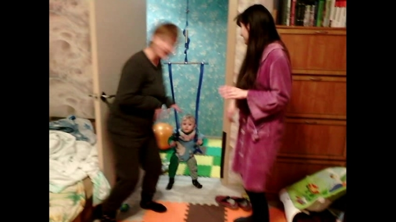 Егор, мама и бабушка - Танец маленьких утят