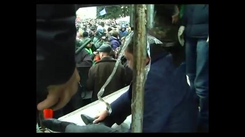 Луцк 19 февраля 2014 Захват Башкаленко у Горсовета