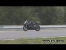 Highsider Crash Brno Motorrad fährt weiter