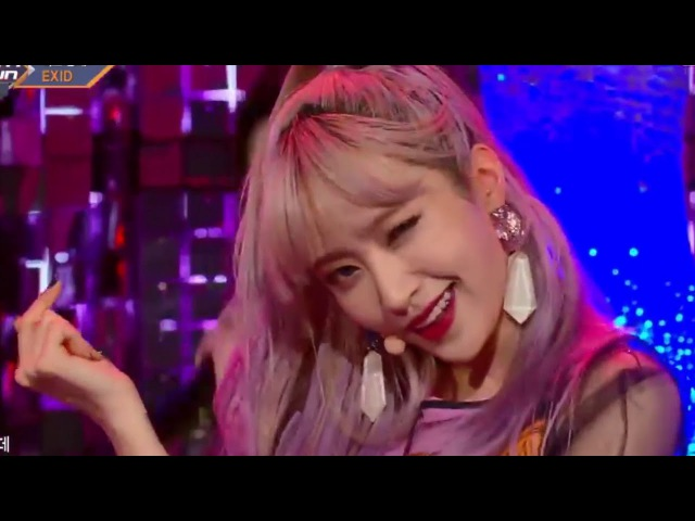 EXID - DDD but I put part switch version into live perfomance