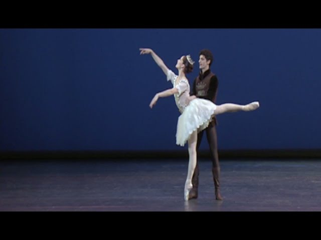 Awakening - Pas de deux (The Royal Ballet)