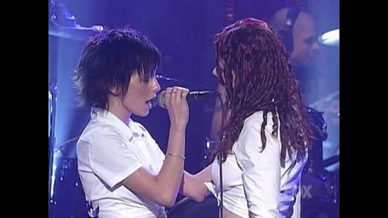 T.A.T.u. - All The Things She Said [Live] (MadTV 03.08.2003) HQ