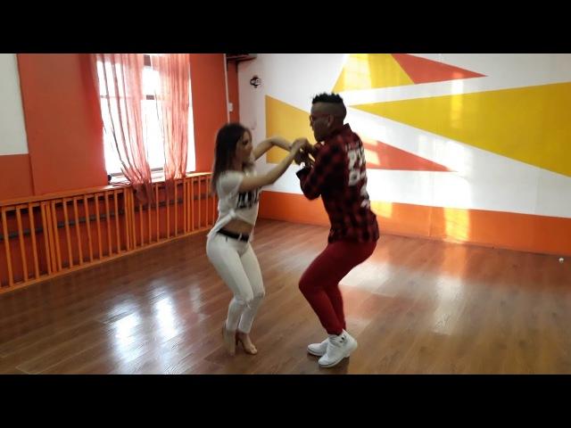 Bachata sensual Luis Periche and Yumi Moscow Marzo 2018 GRUPO EXTRA CUANDO ESTOY CONTIGO