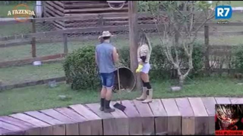 Marcelo ajuda Flávia no trato dos animais (PT 2)