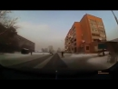 В Усть-Каменогорске влюблённый парень бросился на проезжающий автомобиль после ссоры со своей девушкой