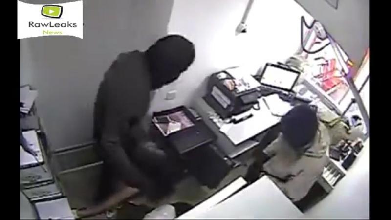 Видео ограбления Kaspi Bank в Казахстане 22 августа 2017