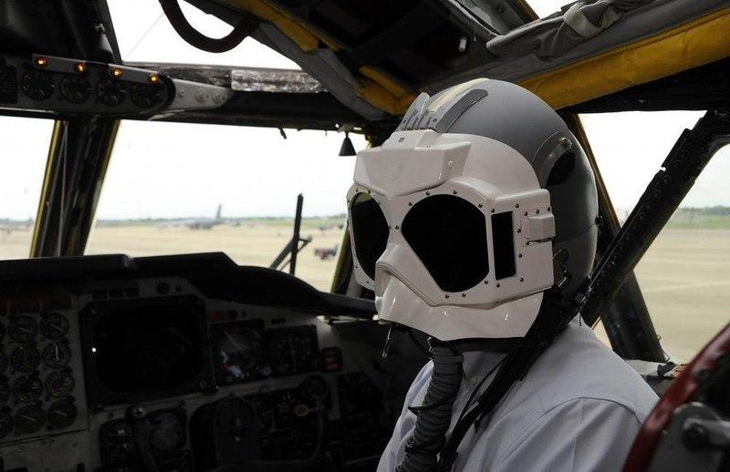 Как пилоту боевого самолета не ослепнуть от ядерной вспышки