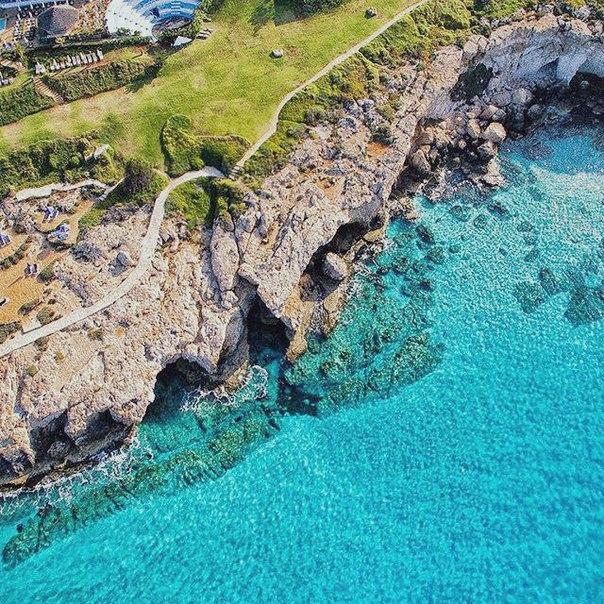 Петербург: ПРЯМЫЕ рейсы на Кипр за 8800 рублей туда-обратно