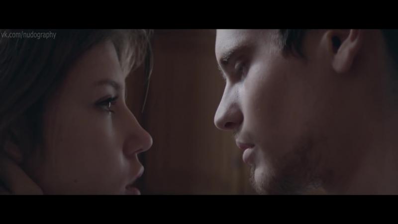 Адель Экзаркопулос (Adele Exarchopoulos) голая в клипе Огонь (Fire, 2015) 1080p