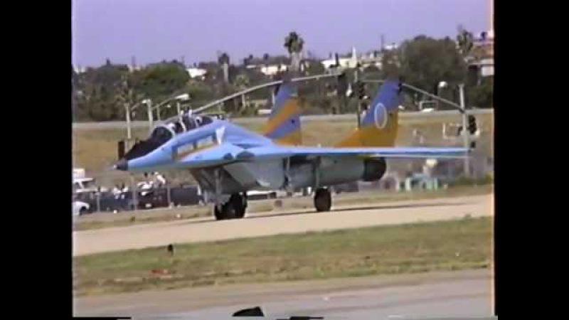 Ukrainian Air Force MiG-29UB Departing Hawthorne, CA