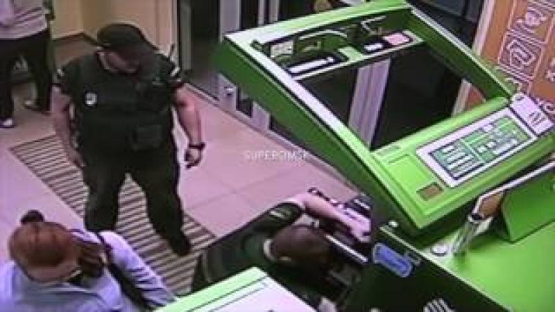Омский инкассатор ограбил банкомат банка из-за непогашенного в нем кредита