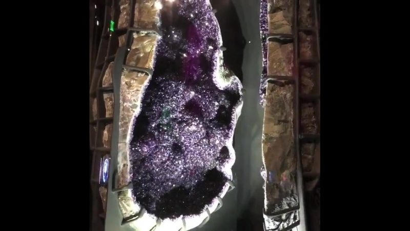 ...в Perot Museum Даллас Техас...видео Geology Love