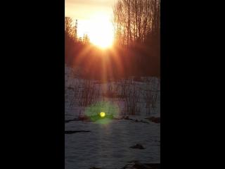 солнце на Пасху. камера телеыона не может передать истинной красоты восходящего солнца на Пасху. это всего 1 процент из того что